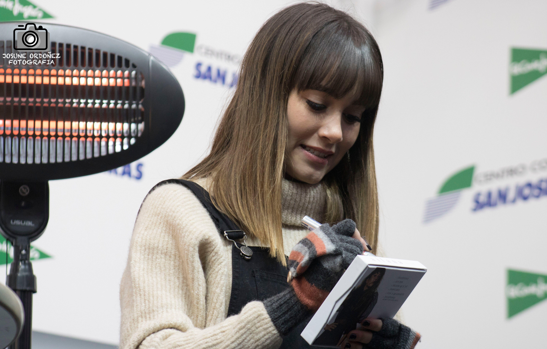 """Así vivimos la firma de """"Trailer"""" el nuevo disco de Aitana en Madrid"""