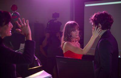 Primera imagen de rodaje de TE QUIERO, IMBÉCIL, la nueva comedia romántica de Laura Mañà protagonizada por Quim Gutiérrez y Natalia Tena