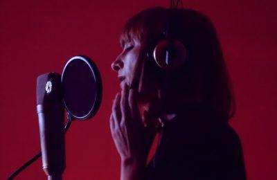 """NAWJA NIMRI interpreta el tema """"HIJO DEL CORAZÓN"""" del nuevo DUMBO de TIM BURTON"""