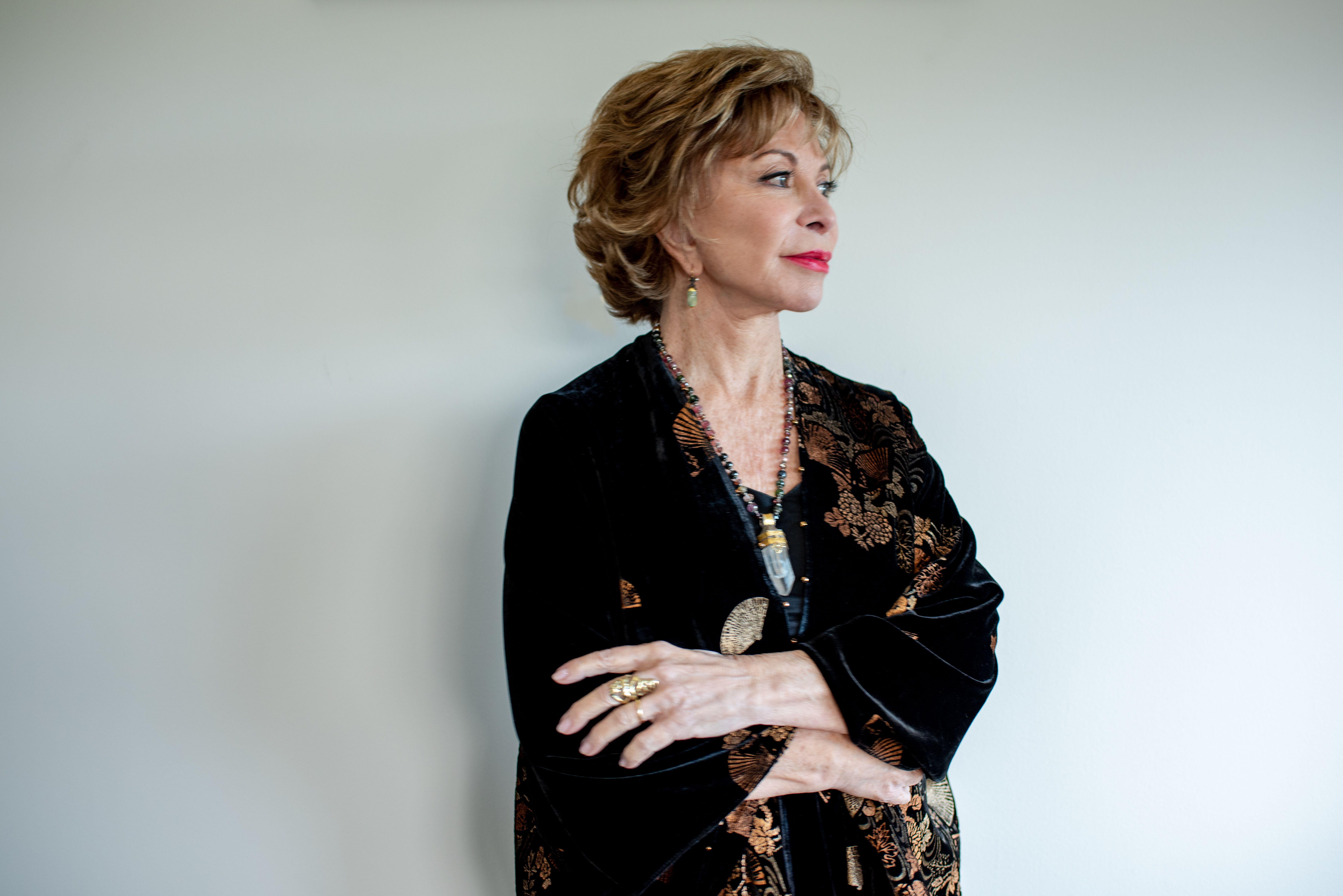 TVE prepara una miniserie de 'Inés del alma mía', la novela de Isabel Allende