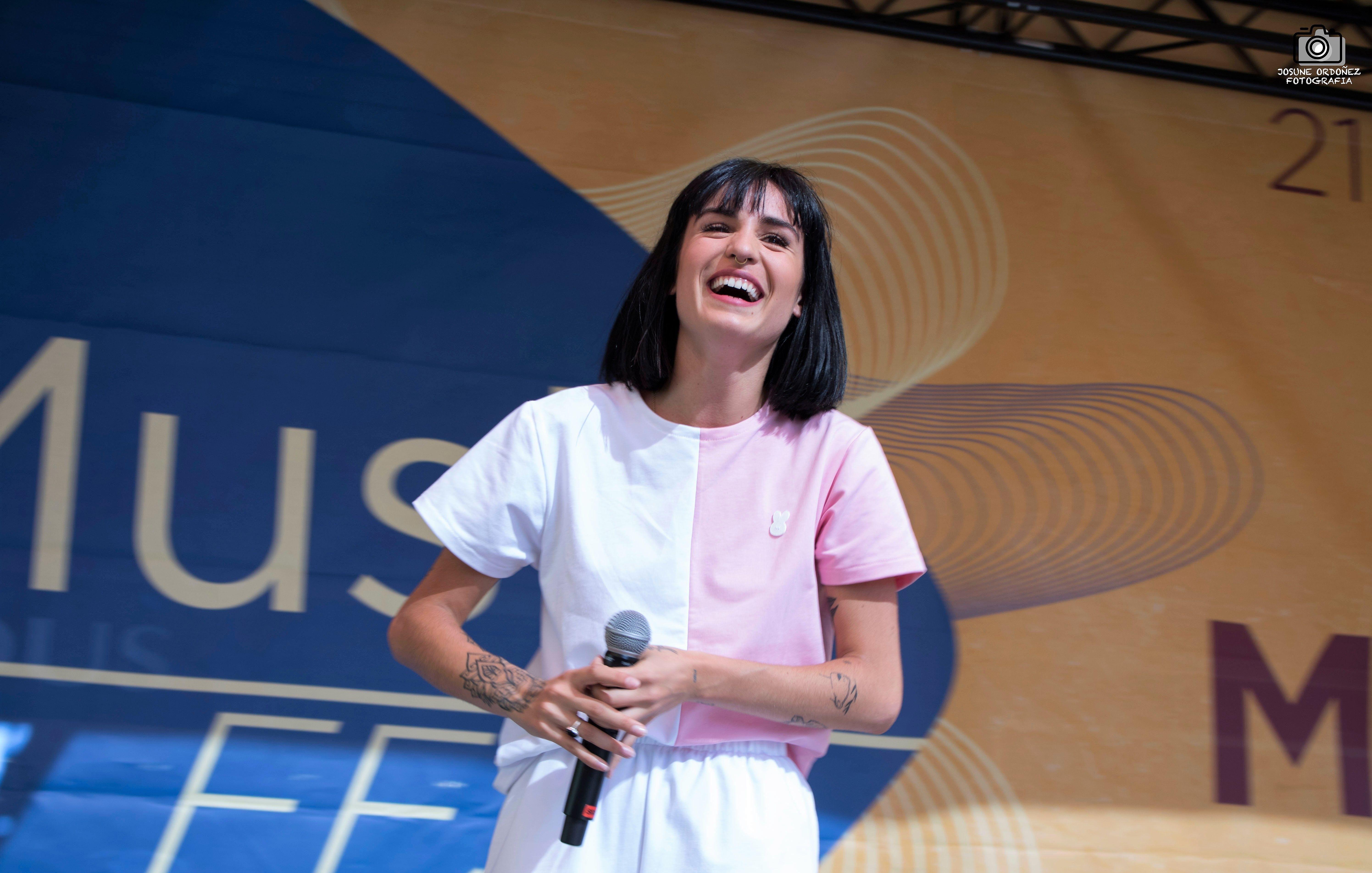 NATALIA LACUNZA, FIRMA Y DIRECTO EN MADRID PARA EL RECUERDO